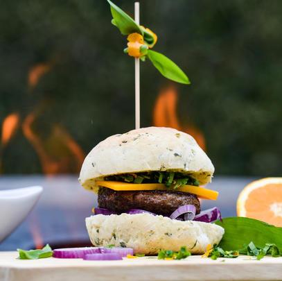 Wildbret lässt sich auf vielfältige Weise weiterverarbeiten – zum Beispiel zu Burgerfleisch. (Quelle: Kapuhs/DJV)